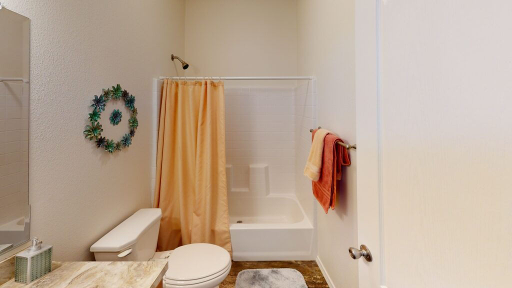 16x76-K1676H-Bath-room-scaled